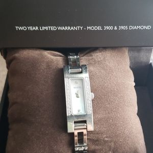 Gucci watch, mother of pearl, 3900 &3905 Diamond